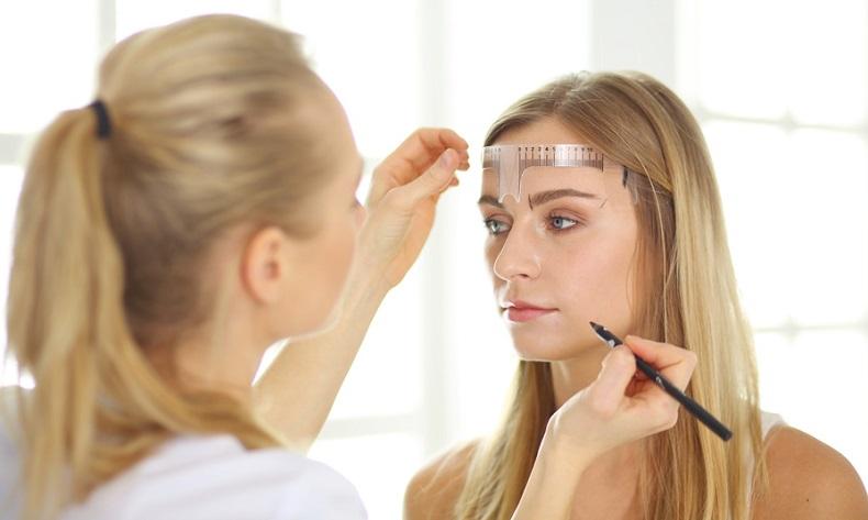Makijaż Parmanentyny
